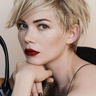 Really Cool Ideas of Short Hair and Short Bangs 4