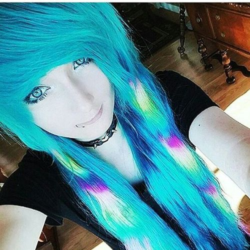 Deep sky blue emo hairstyles for girls
