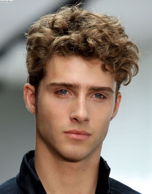 Cute Messy Curly Hair Boy Style 3