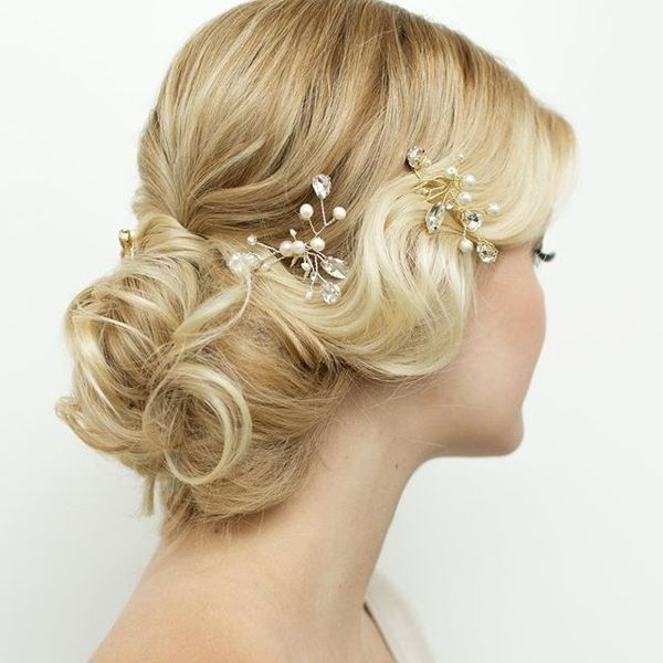 Soft Blonde Waves for Romantic Bride