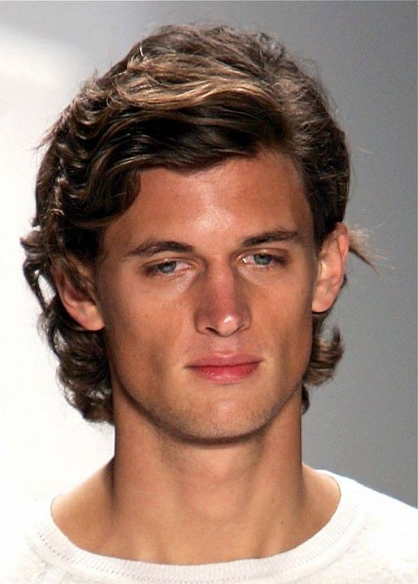 Best Men's Haircuts for Curly Hair 2
