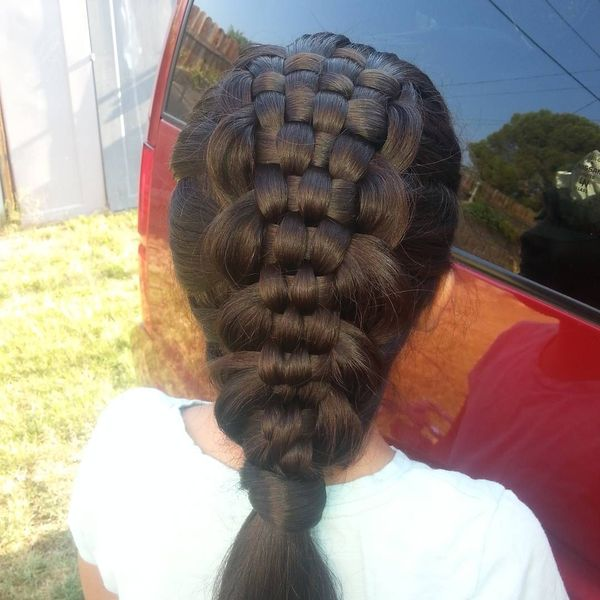 Braid – basket on the back