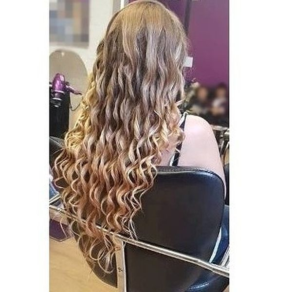 Traditional Curls for the Festive Look
