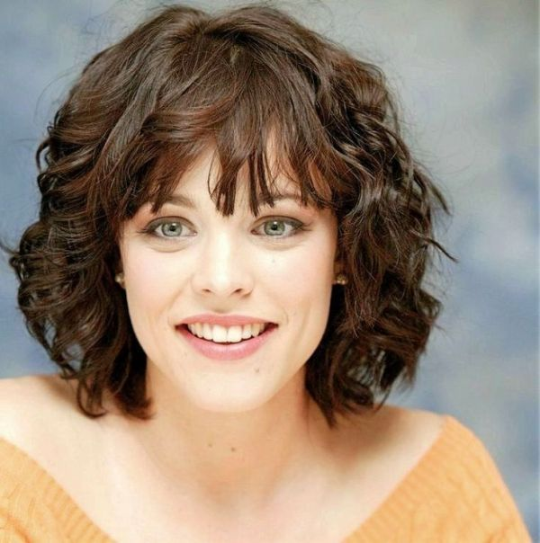 Cute Hairstyles for Ladies with Short Curly Hair 3