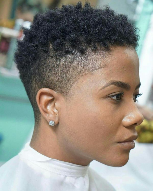 Cute Short Afro Hairstyles for Black Girl with Curly Hair 1