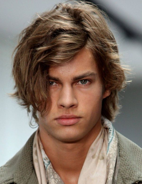Easy to Style Medium Length Hair Cuts for Men 4