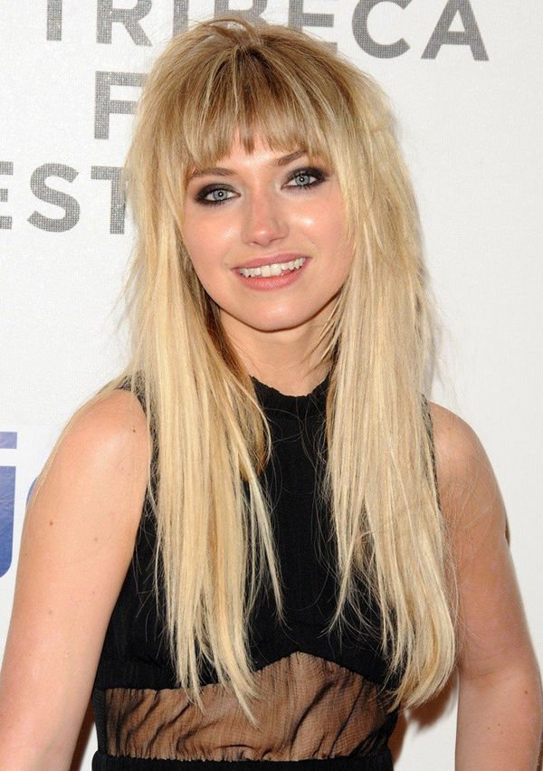 Styles of long blonde hair with layers and bangs 3