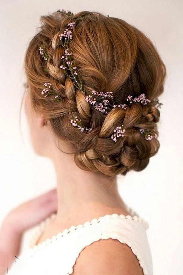 Cute Formal Wedding Styles For Women With Long Hair 1