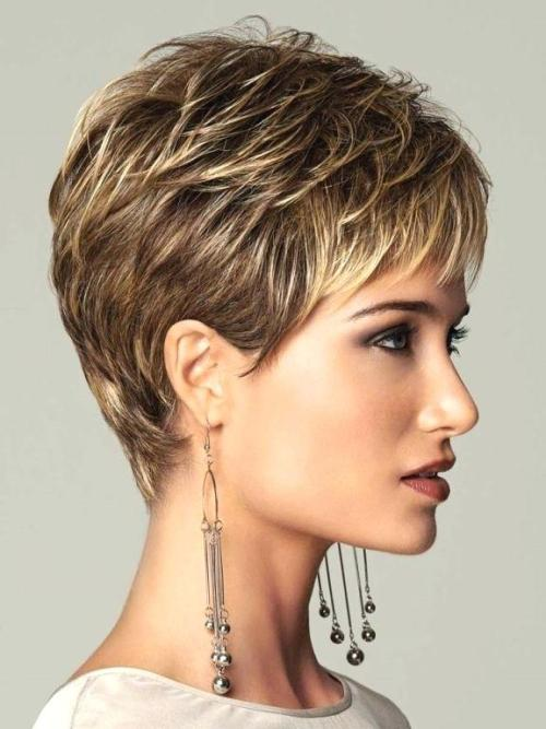 Short Brown Hair With Blonde Highlights 1