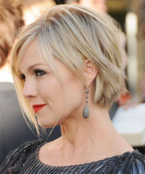Cool short straight hairstyles for women 3