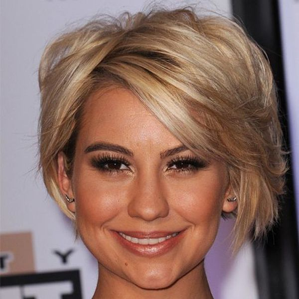 Cute female short hairstyles for straight hair 4