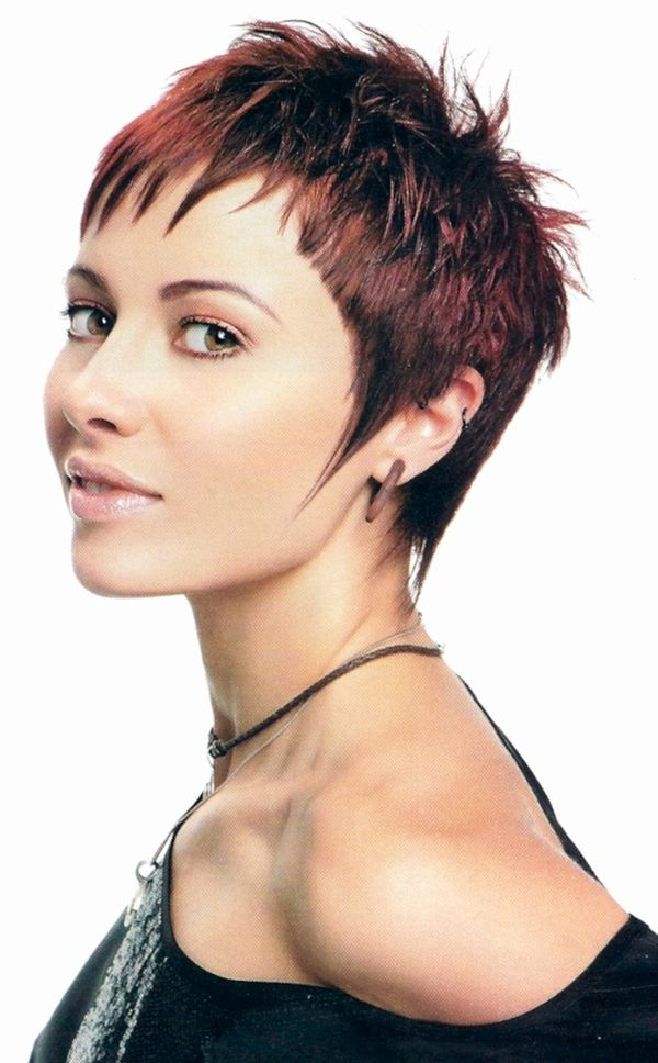 Eyecatching Short Spiky Haircuts for Women 5