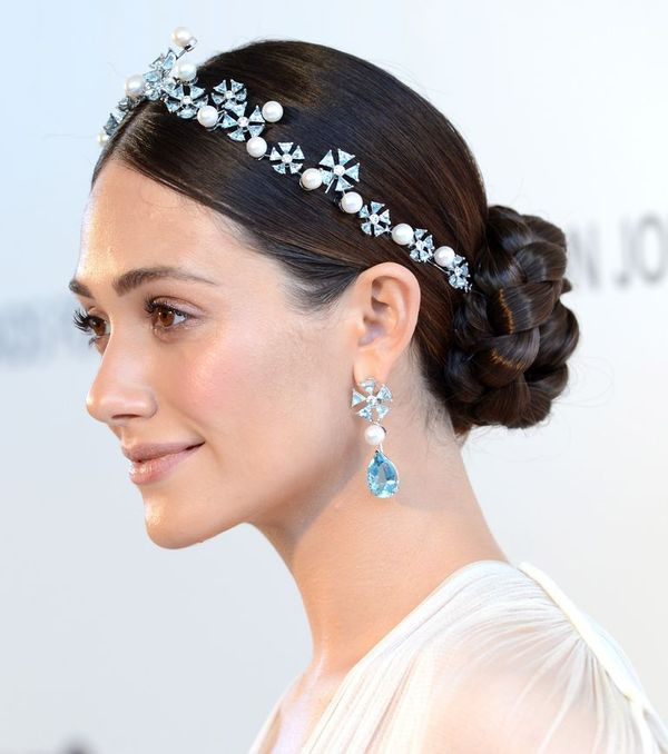 Long prom hairstyles with accessories 2