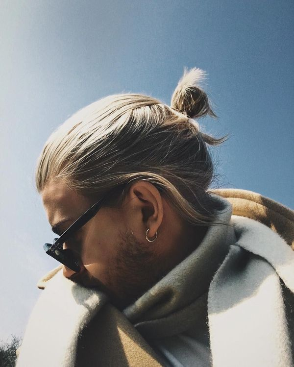 Messy Mens Top Bun Hairstyles 4
