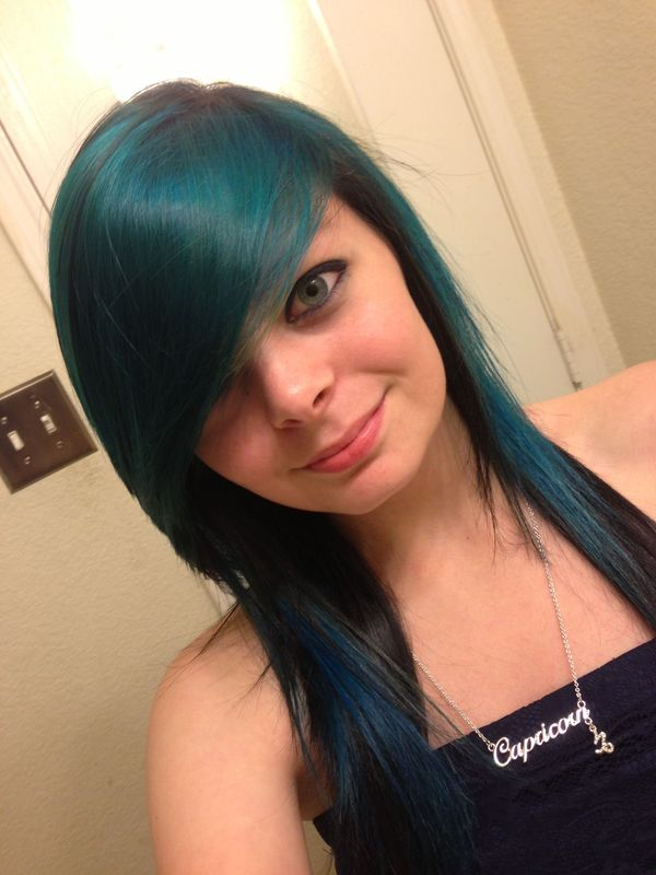 Pretty emo girl hair styles 2