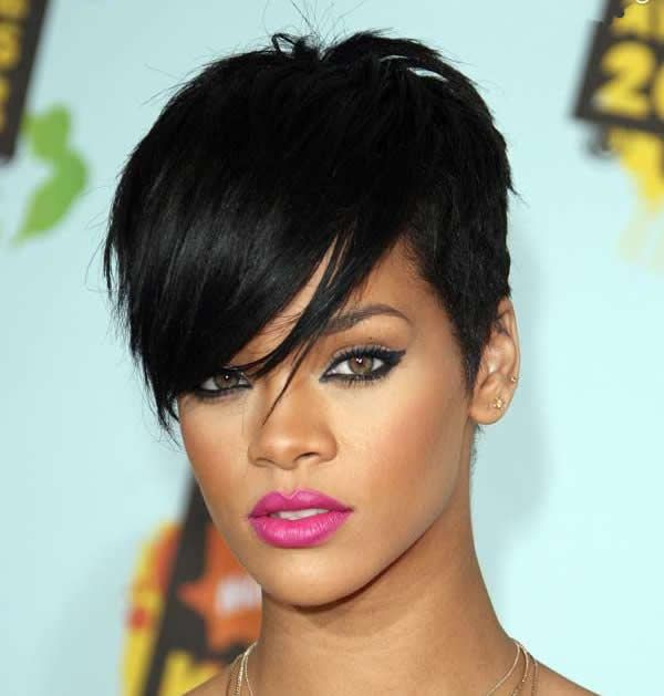 Short straight hair ideas for ladies 3