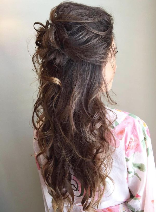 Stylish curled updos for proms 4