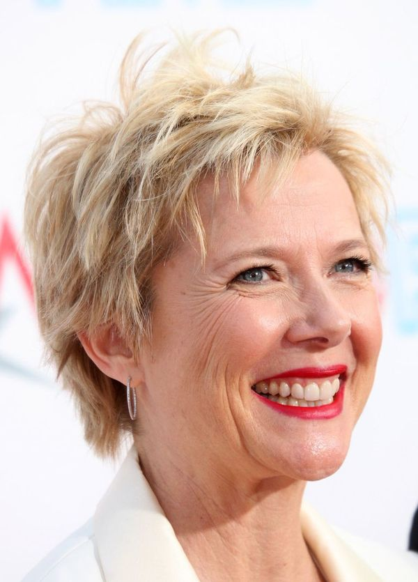 Trendy Short Spiky Haircuts for Women Over 50 2
