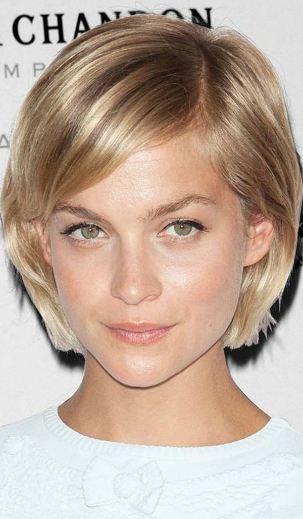 Short Straight Hairstyles for Women (Trending in September 2019)