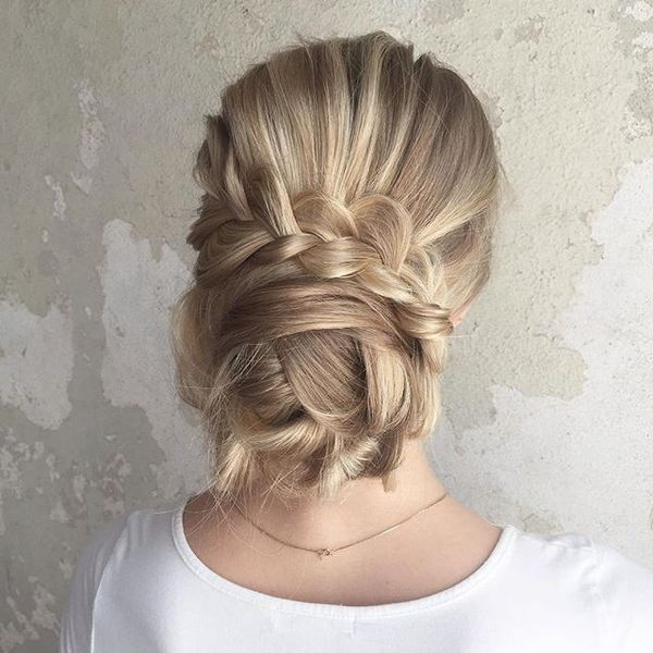 Awesome hairdos for straightened long hair 7