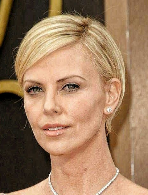 Modified Pixie Hairstyle-Round Face Long Hairstyles Female-female hairstyles #womenhair #womenhairstyles