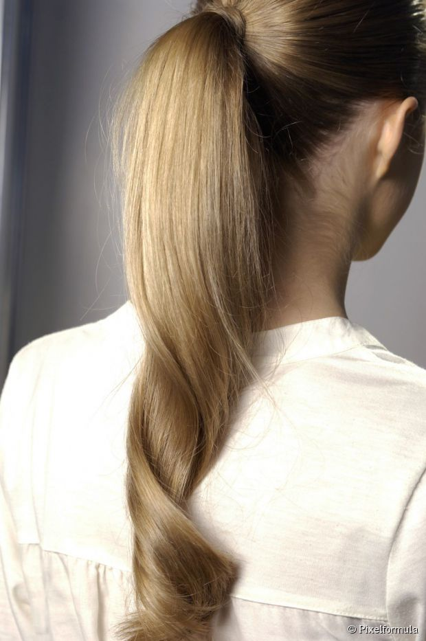 High Ponytail Hairstyle For Brides
