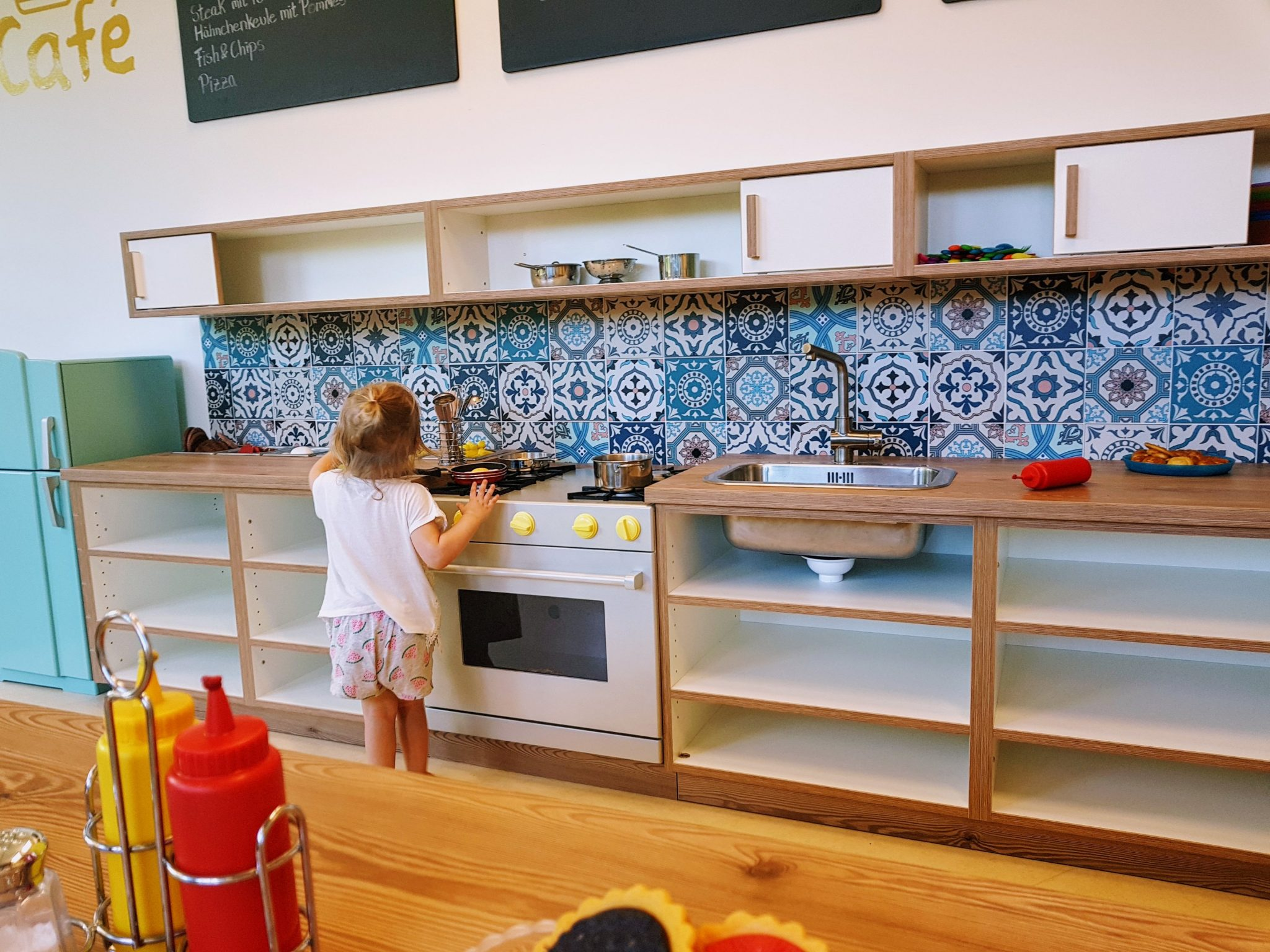 Kids at work play kitchen Hamburg with a Toddler | Ettie and Me