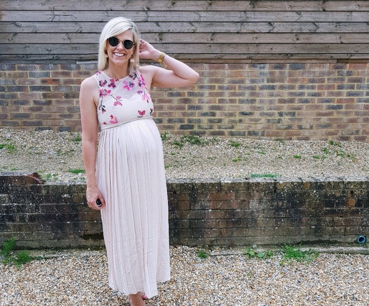 Maternity Outfit Ideas for a Summer Wedding