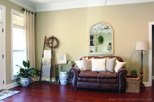 winter-living-room-home-tourh