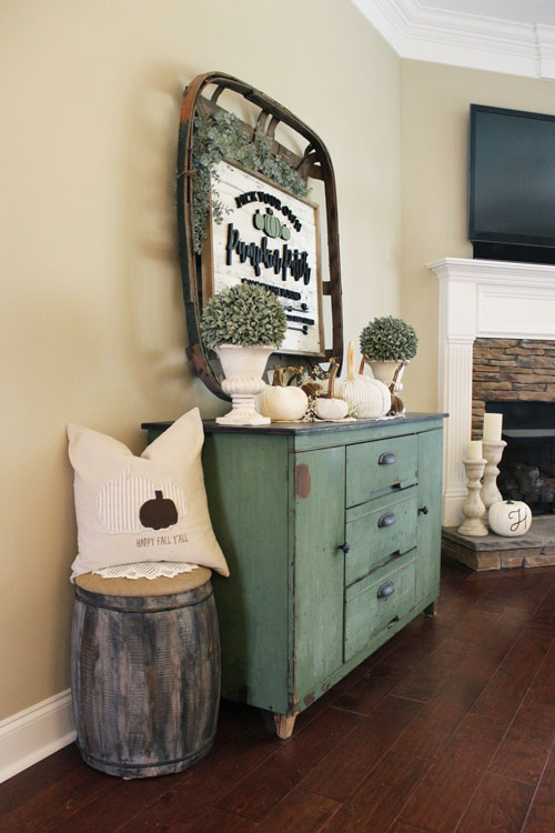 Netural-and-Sage-Green-Console-Table-1