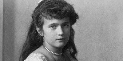 A portrait of the Grand Ducess Anastasia, age 13