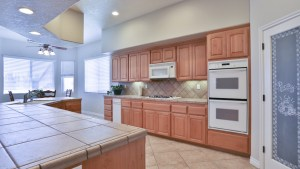 12955_Autumn_Leaves_Victorville_FOR_SALE_Raoul_Vianey_info@thehanovergrp (10)