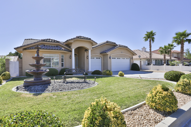 12955_Autumn_Leaves_Victorville_FOR_SALE_Raoul_Vianey_info@thehanovergrp (31)