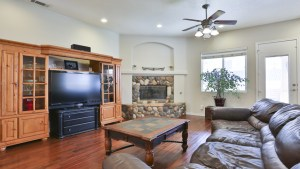 12955_Autumn_Leaves_Victorville_FOR_SALE_Raoul_Vianey_info@thehanovergrp (4)
