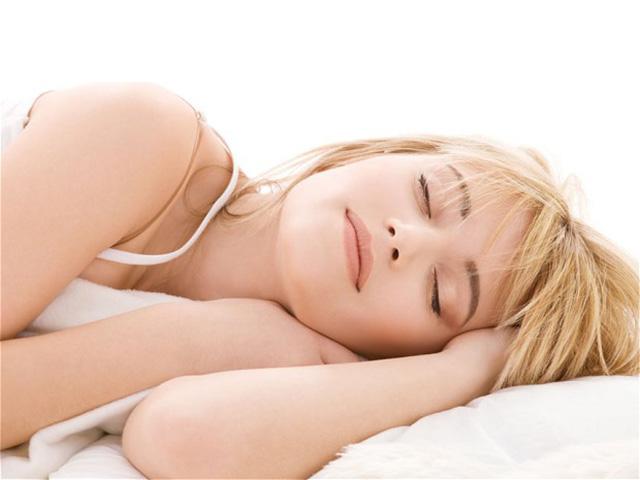 ¿Dormir poco envejece?