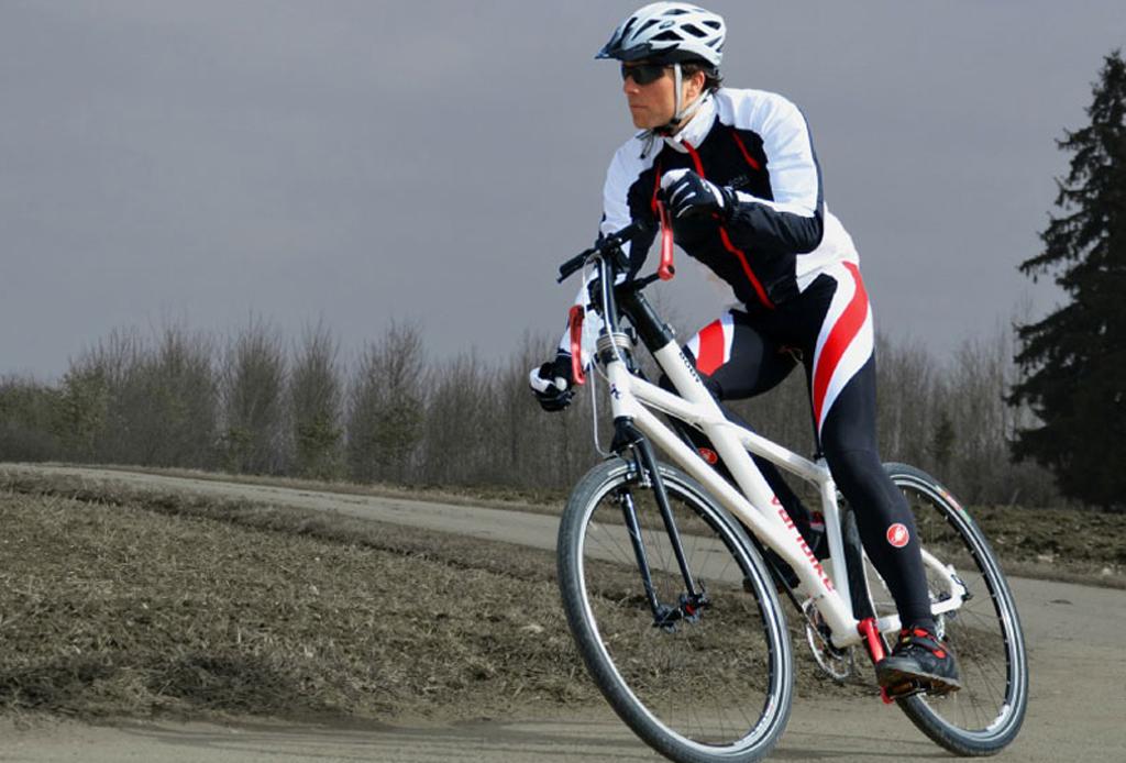 Pedalea tu bicicleta… con los brazos