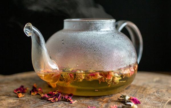 Monday's Tea: Infusión casera de vainilla y pétalos de rosa