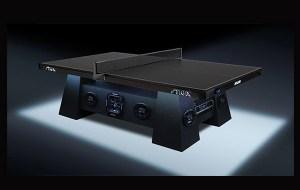 Una mesa de ping pong con sonido incluído