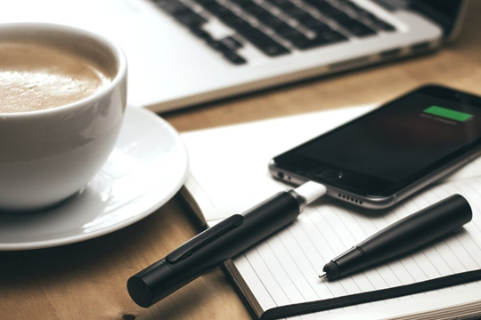 Power pen, la pluma para cargar un smartphone