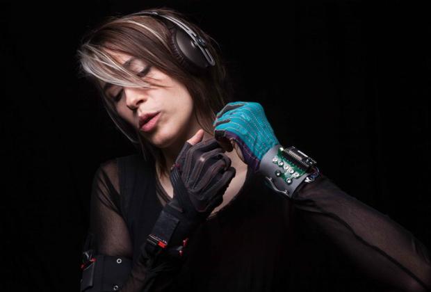 Guantes para que cualquiera se convierta en músico - Untitledd