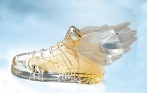 Lanza Jeremmy Scott su perfume unisex para  Adidas