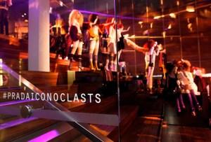 Prada viste a NYC con su Iconoclasts 2015