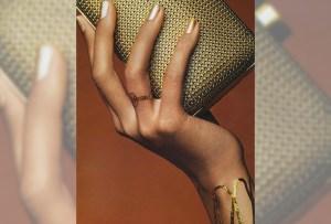 Dior se une a la tendencia de los tatuajes metálicos
