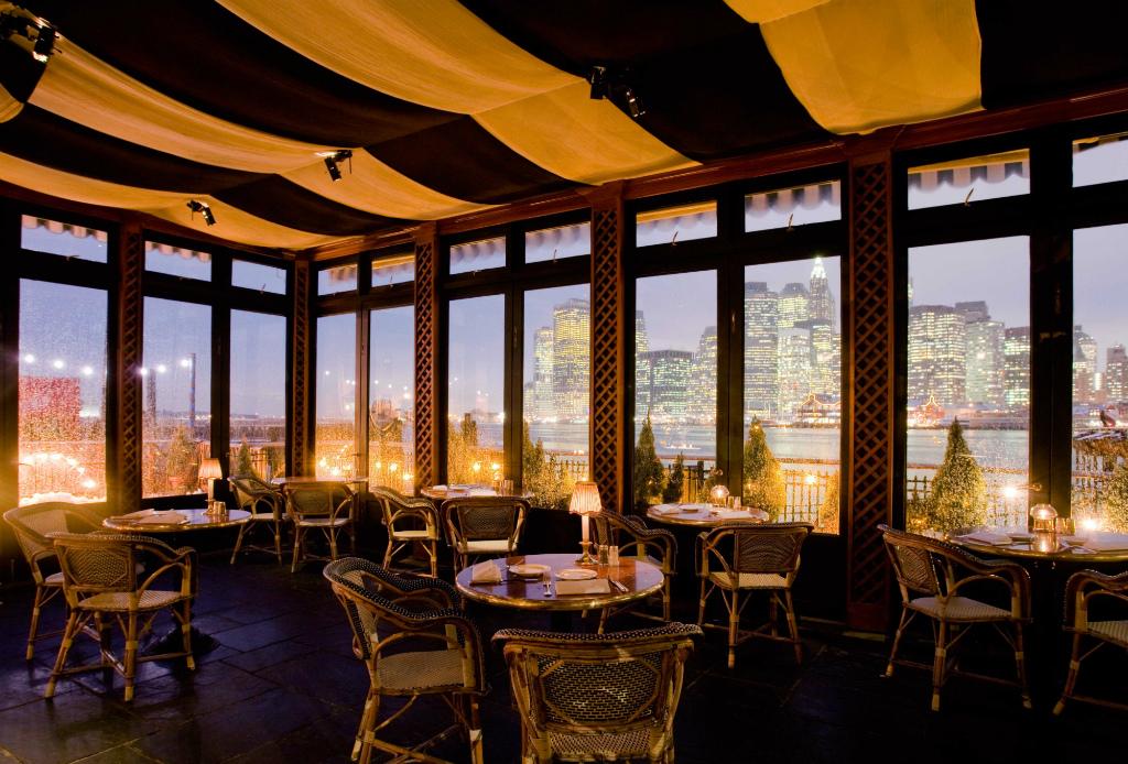 Restaurantes en los que la vista hará que te olvides de la comida - river-cafe