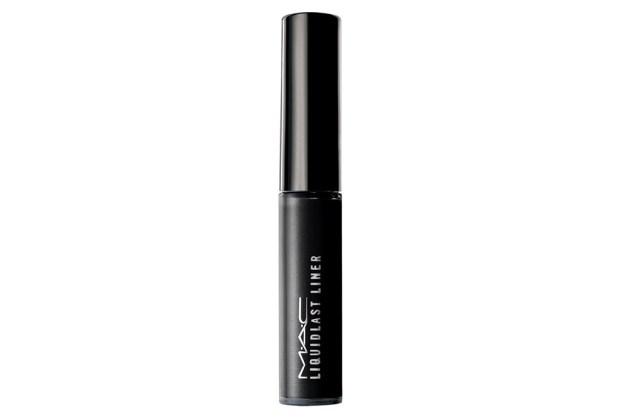 10 productos de maquillaje que mamá debe tener - MAc-liquidlast-liner-1024x694