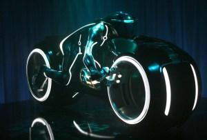 ¿Sabes cuánto pagaron por la moto de Tron?