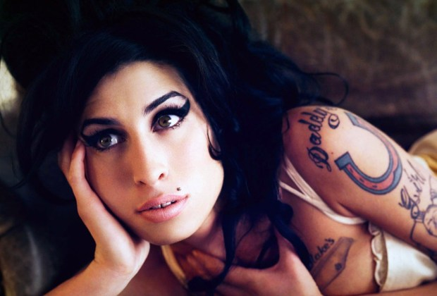 Escucha a Amy Winehouse adolescente - amy-winehouse-2-1024x694