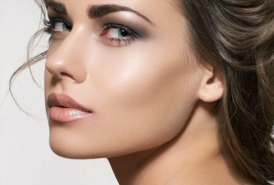 Esta es la solución para eliminar las manchas de la piel - cara-brillo-1024x694