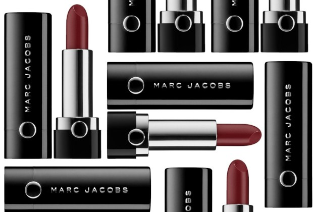 10 productos de belleza que DEBES probar - marc-jacobs-1024x694