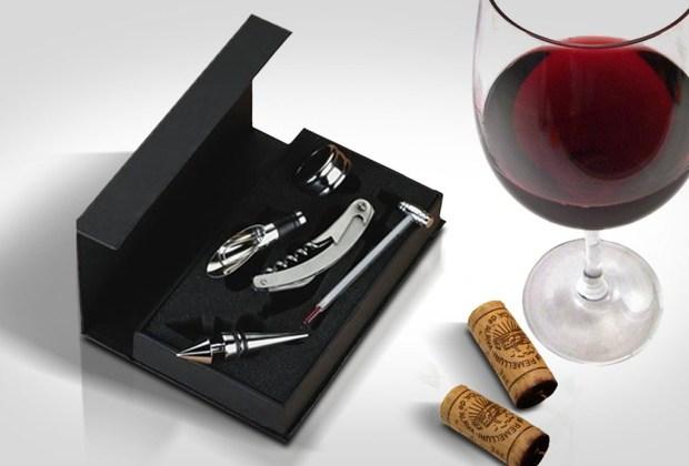 10 cosas que toda mujer debe tener en su hogar antes de cumplir 30 - kit-de-vinos-1024x694